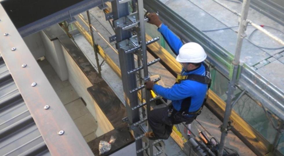 Raccomandazioni per la pulizia e la disinfezione delle attrezzature di lavoro
