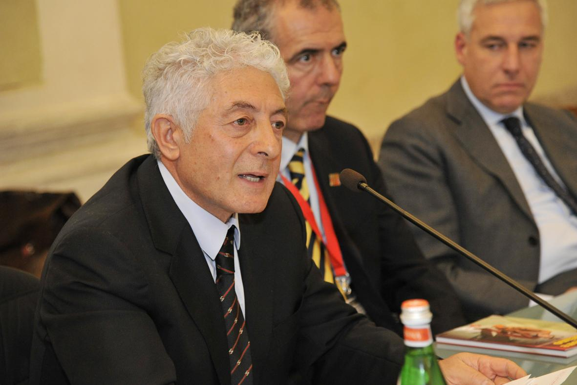 """5 domande """"A"""": Intervista al dott. Pasquale Sgrò ideatore dell' Ispettore Felicino"""